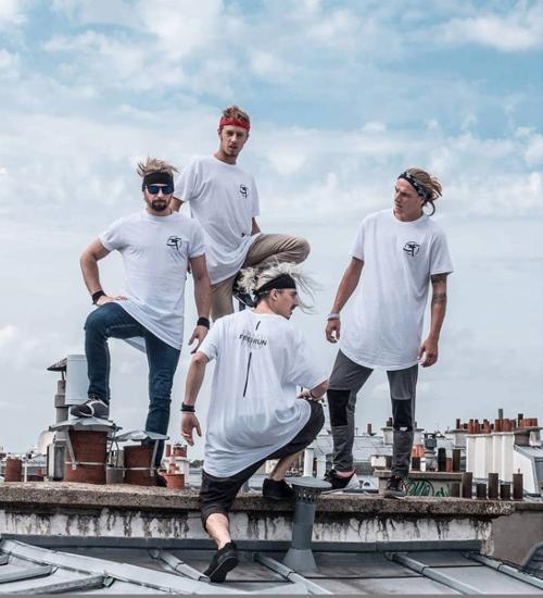 Les athlètes de la French Freerun Family sur les toits de Paris